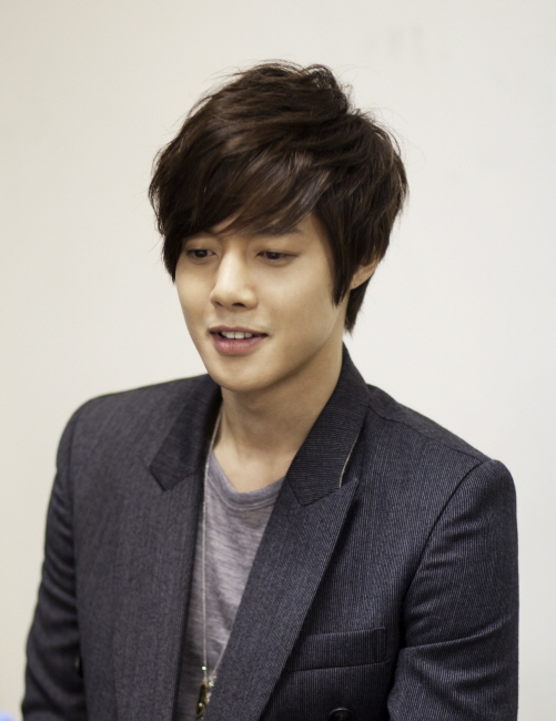 NEWS 1216 Kim Hyun Joong Feels Good When Being Referred To As Little Yon Sama